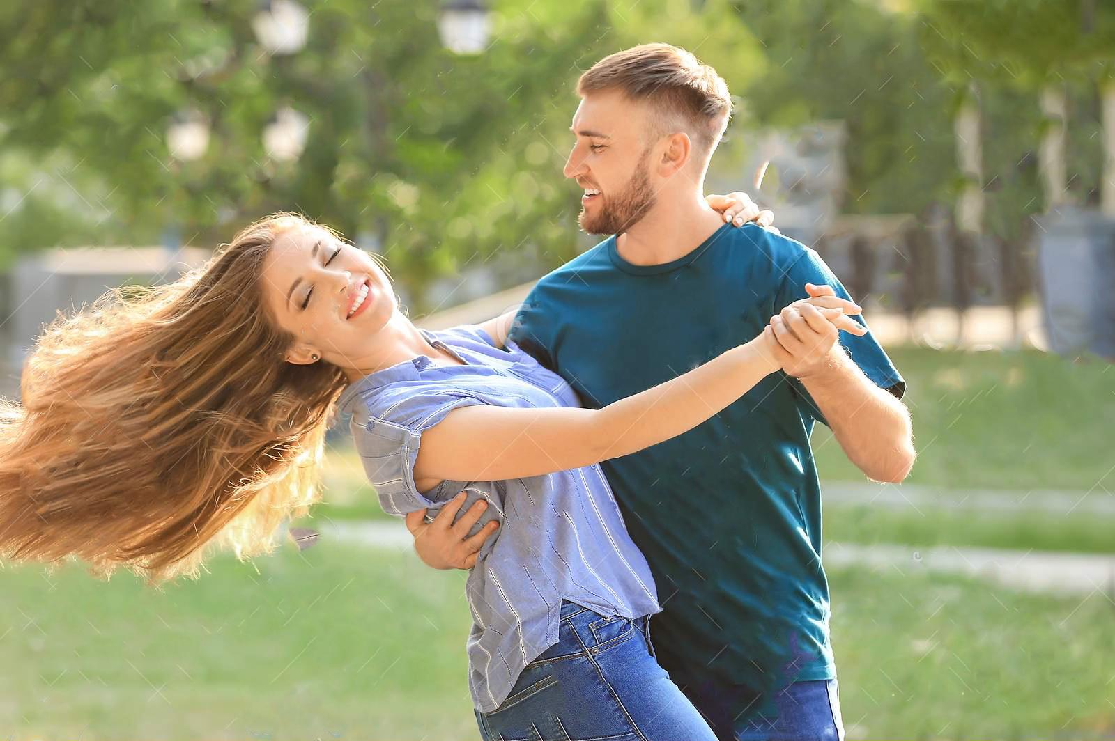salsa Couple in Park